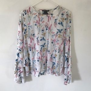 NWT 🌺 Ladies Floral Blouse